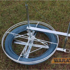 Three way wire spinner